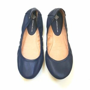 Antonio Melani flats, navy blue, size 9M, shoes.